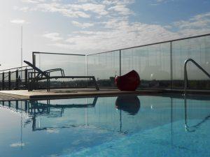 Pool auf der Dachterrasse des Garching Living Center (GLC)