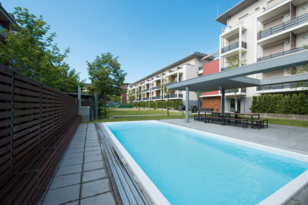 Pool des Student Living Campus (SLC) in Garching